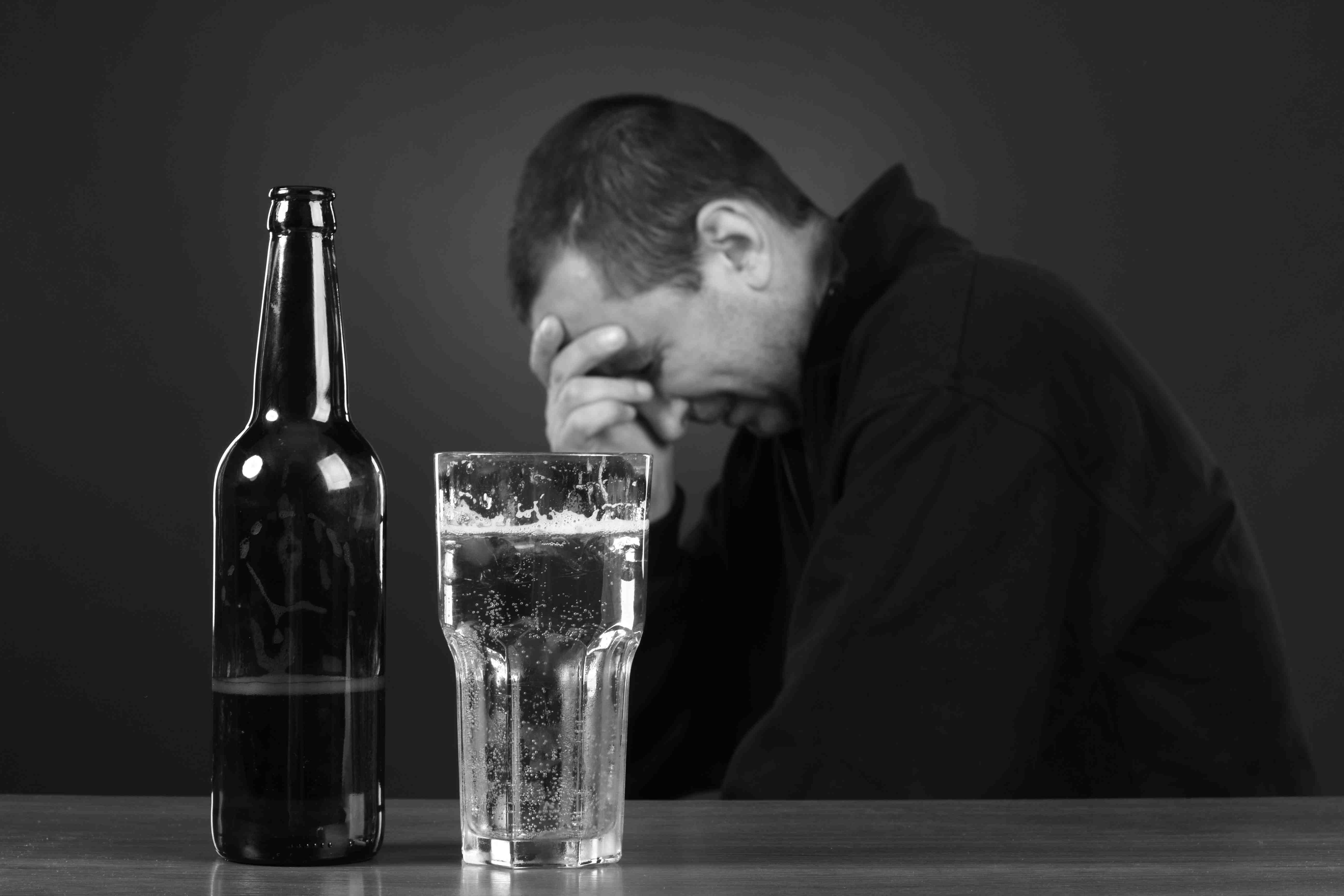 alcoholic abuse Problem drinkers don't have a full-fledged addiction to alcohol, but their drinking  may be taking a toll and  january 2, 2015 alcohol abuse and alcoholism.